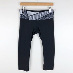 Lululemon reversible crop leggings black white